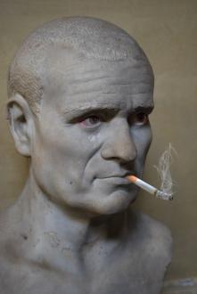 3b statue w cig